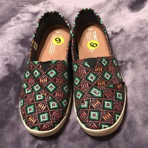 TOMS tribal print women's shoes
